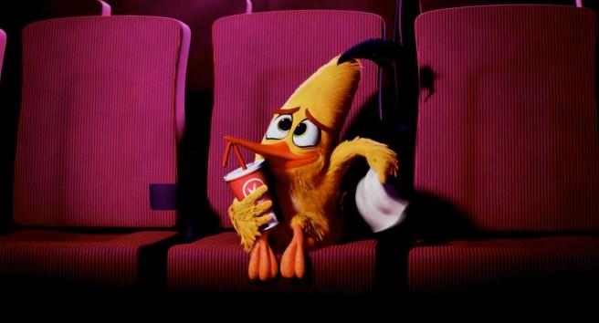 The Angry Birds Movie - Chuck Visits Regal Cinemas.mp4_snapshot_00.32_[2016.07.12_18.21.41]